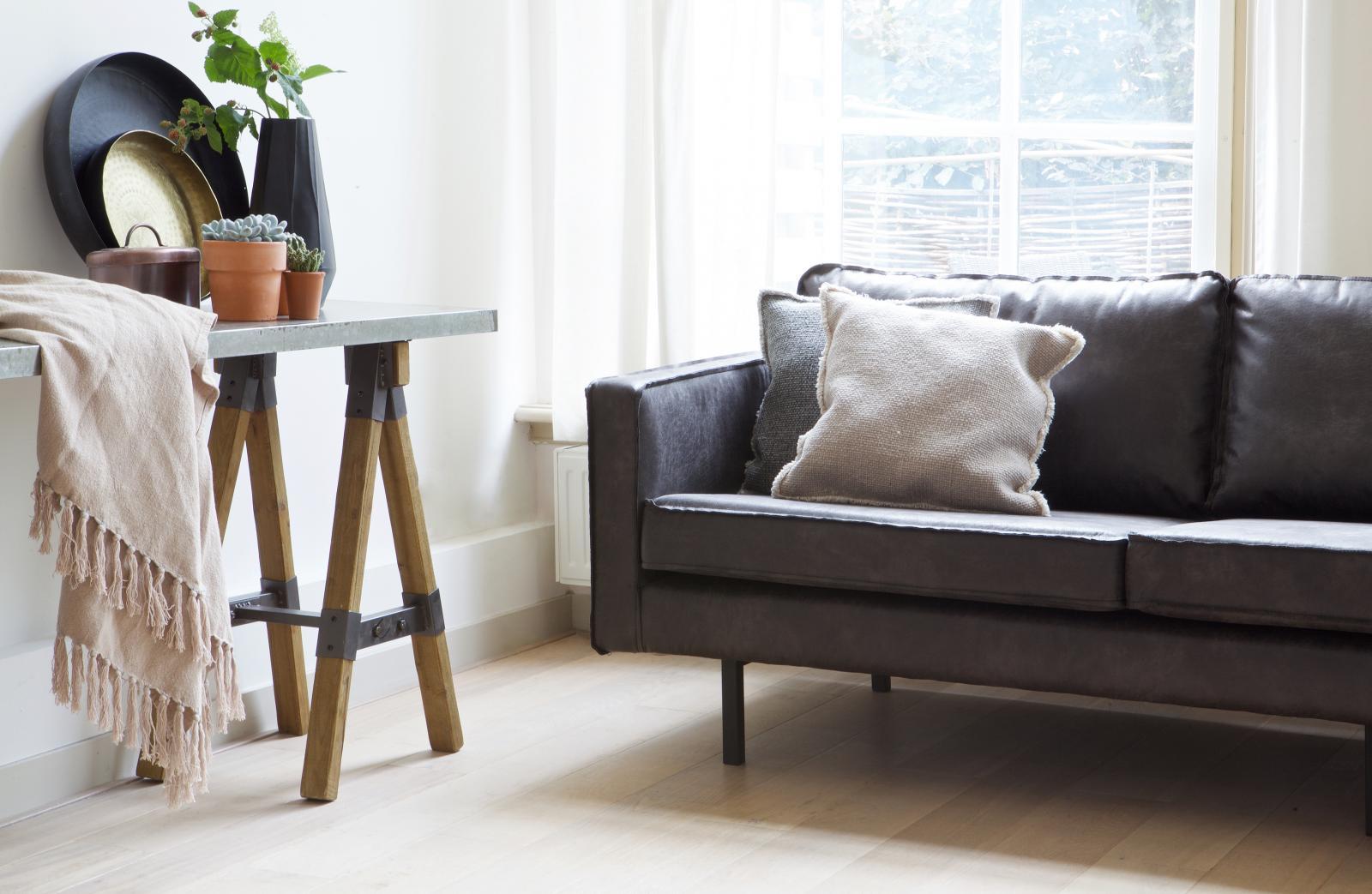 bepurehome rodeo ledersofa 3 sitzer schwarz ledercouch. Black Bedroom Furniture Sets. Home Design Ideas